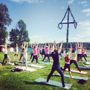 Yoga på fotbollsplanen